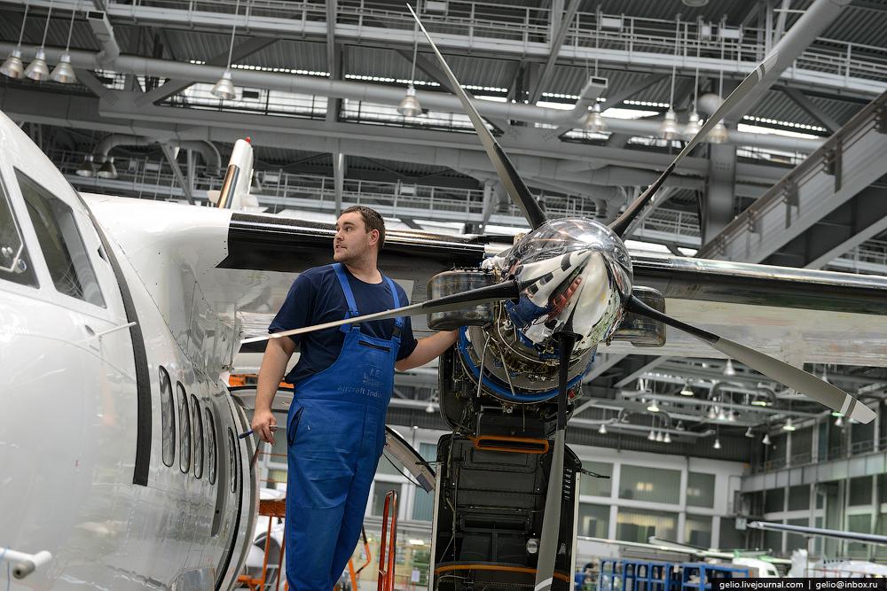 Как делают самолеты Л-410 в Чехии