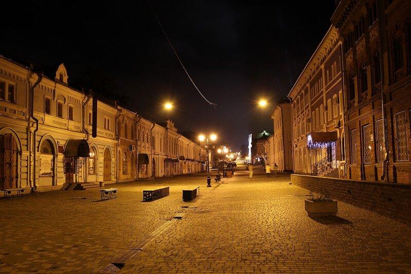 Ночной Вятский Арбат - пешеходная часть улицы Спасской IMG_7730