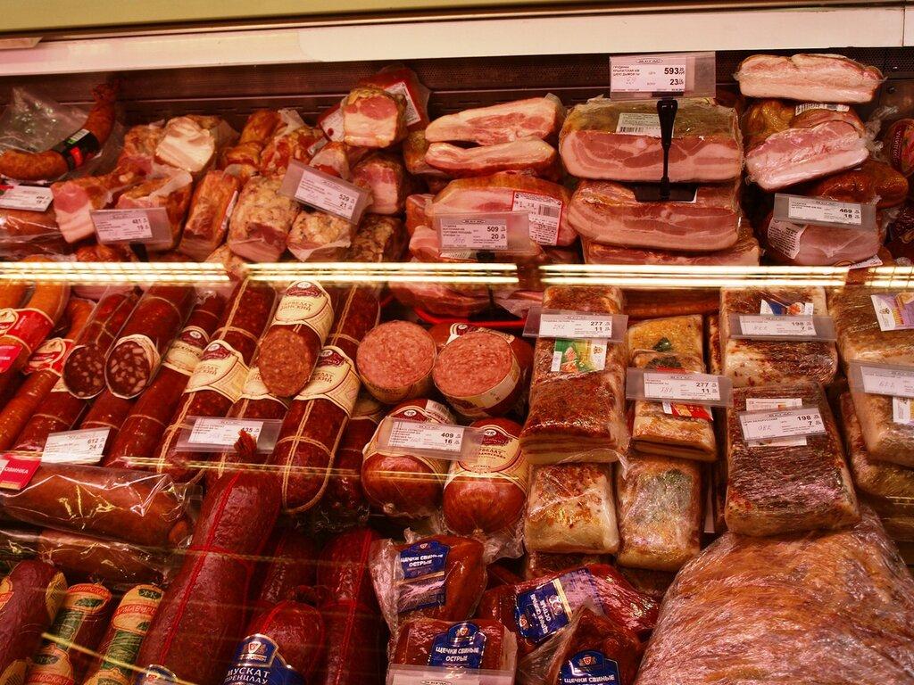 красивая выкладка колбасы фото