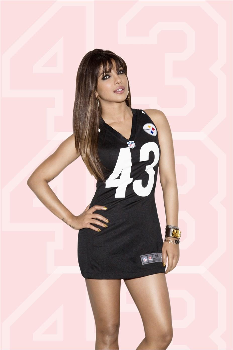 Priyanka Chopra / Приянка Чопра в униформе команды NFL Pittsburgh Steelers / сезон 2013-14