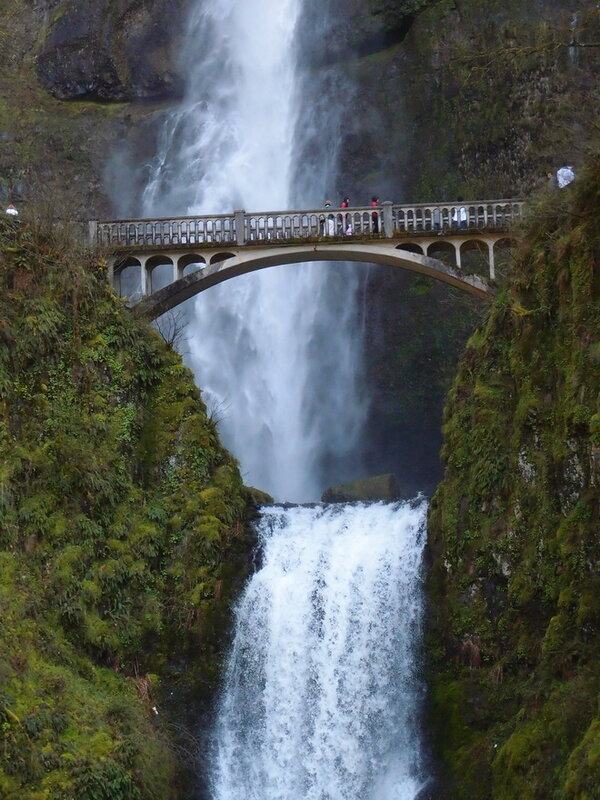 Водопад Малтнома (Multnomah Falls). США