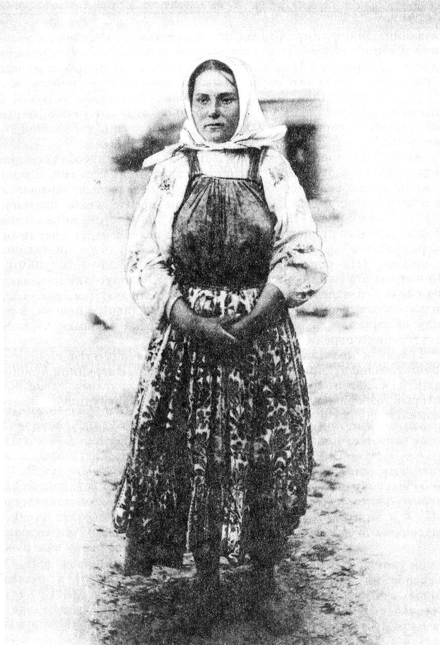 Белорусская девушка. Могилевская губ., Гомельский уезд