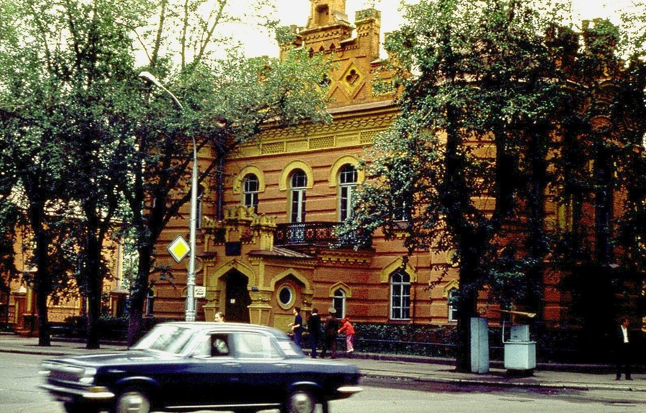 11.  Иркутский краеведческий музей