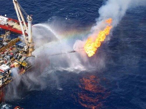 В Азербайджане траур по погибшим на платформе нефтяникам