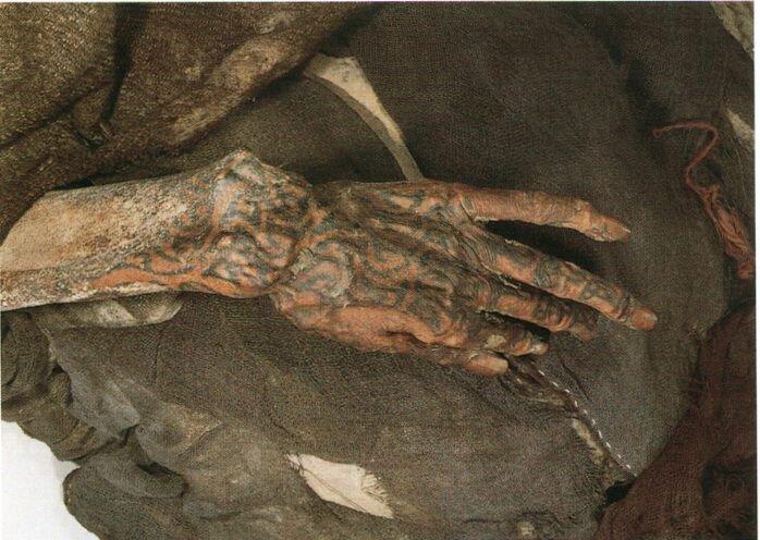 Мумии из Урумчи (4 фото)