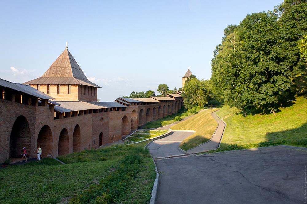 Дорожка к Зачатьевской башне