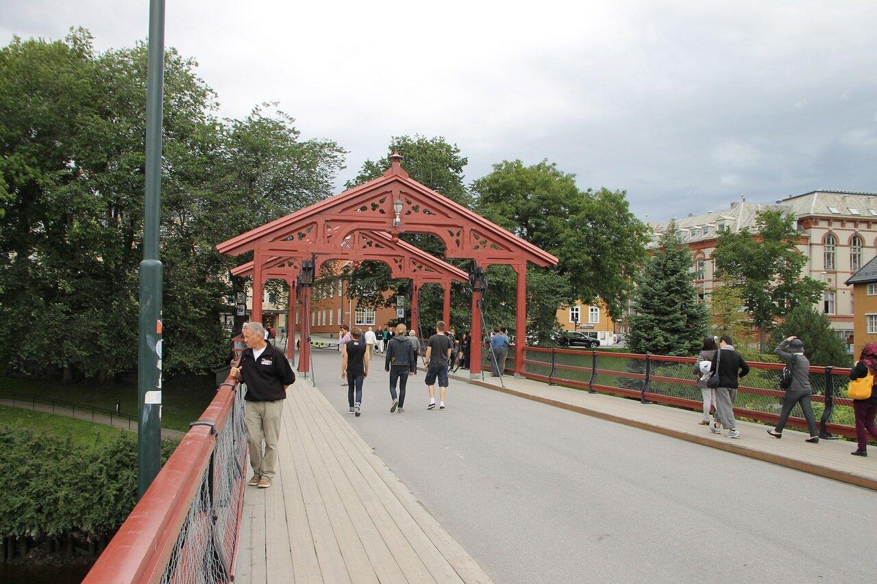 Тронхейм. Старый мост, ворота счастья (Gamle Bybrua, Lykkens portal)