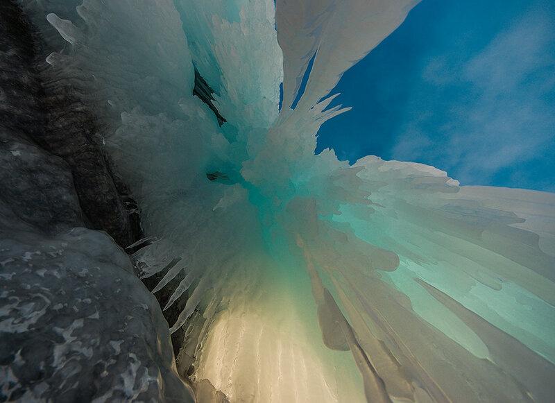 Лёд просвечивает