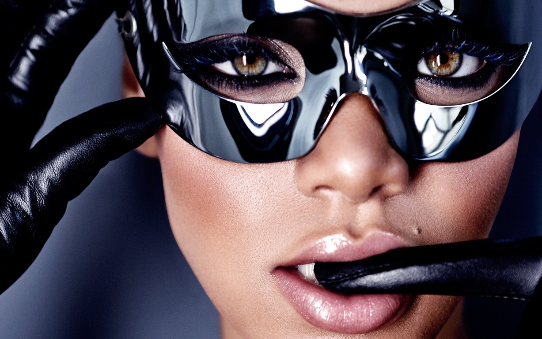 ������ Rihanna / ������, �������� Gabor Jurina