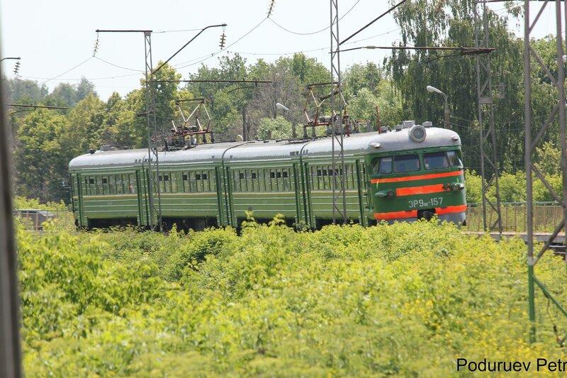 ЭР9пк-157 у пл Кремлёво