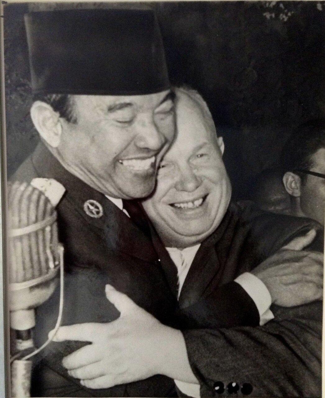 Встреча индонезийского президента Сукарно и Никиты Сергеевича Хрущева. 1960