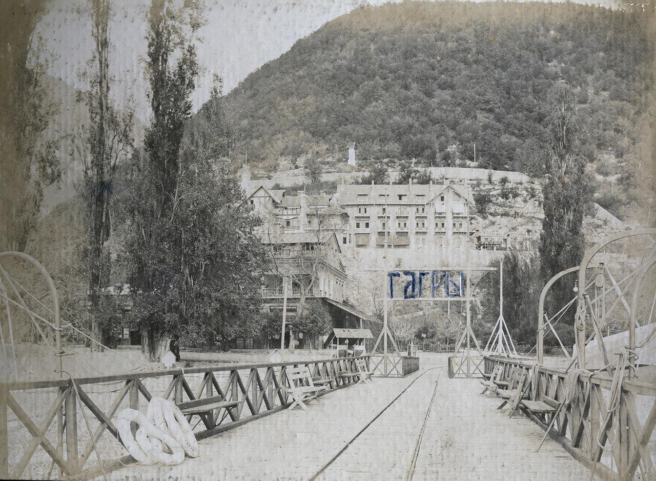 Гагры, 1910. Пристань и дворец Принца Ольденбургского