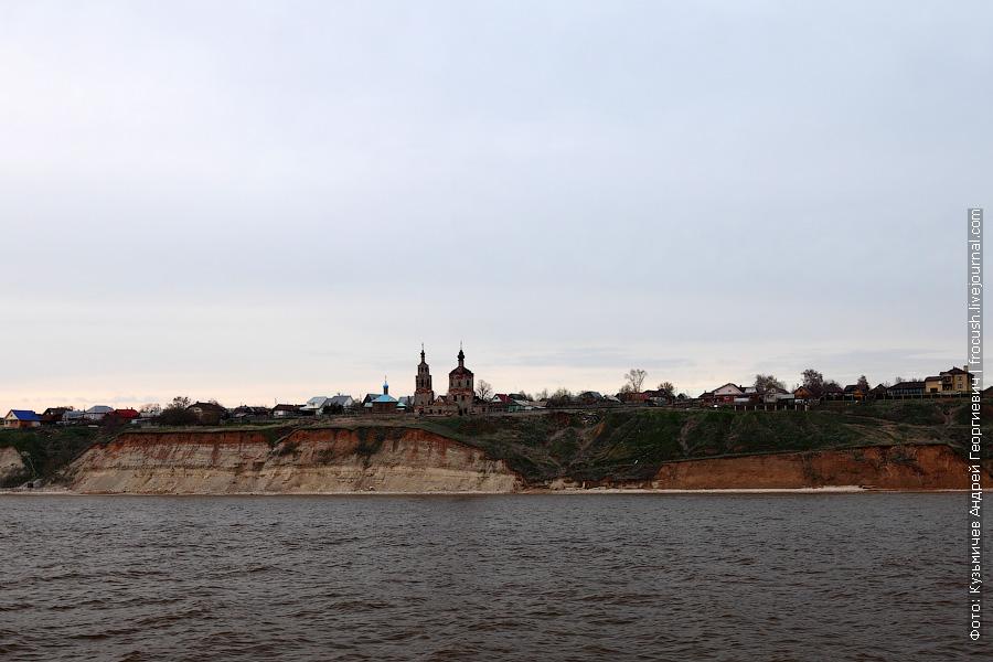 Правый берег Камы. Поселок Шуран. Христо-Рождественская церковь
