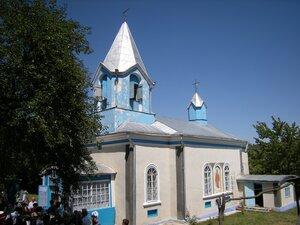 Жизнь молдавского священника — дворник и отец