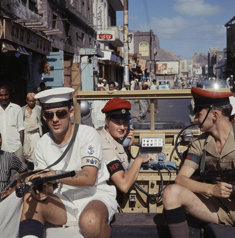 1965-66 British combined services police patrol in Crater, Aden.jpg