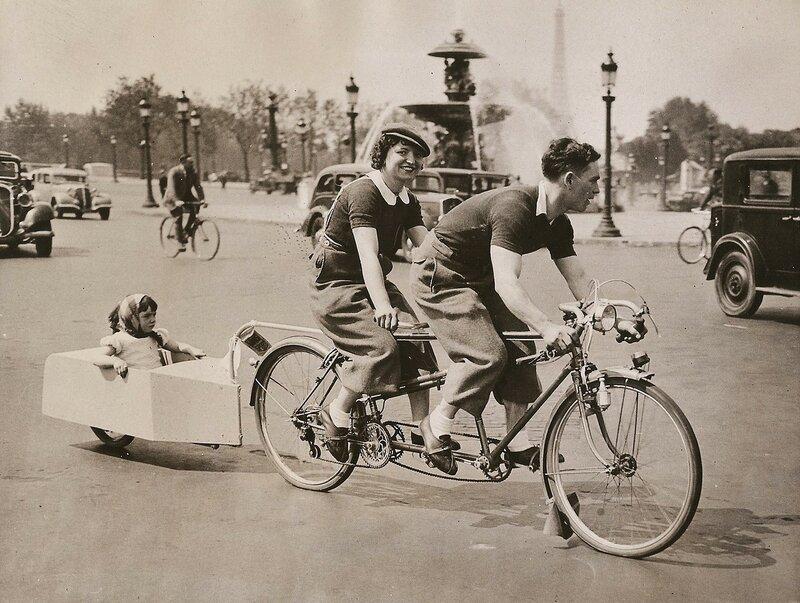 Family-riding-in-Paris-1938.jpg