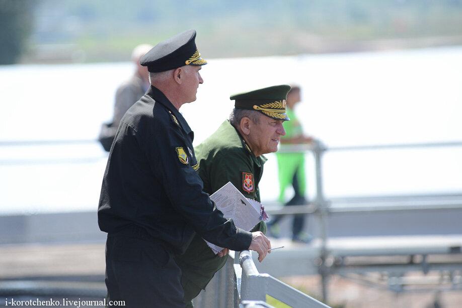 Новая военная форма: прощание с фуражками-аэродромами