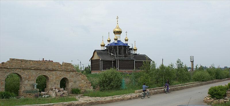 Храм Всех Святых летом (14.10.2013)
