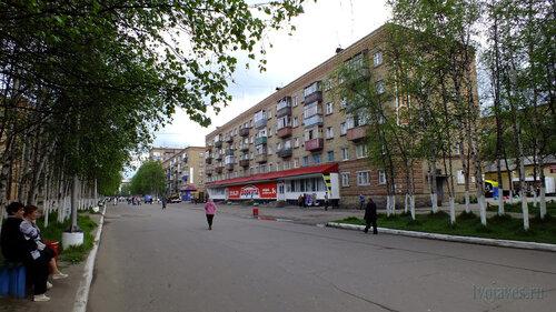 Фотография Инты №4646  Северо-западный угол Горького 7 (магазин