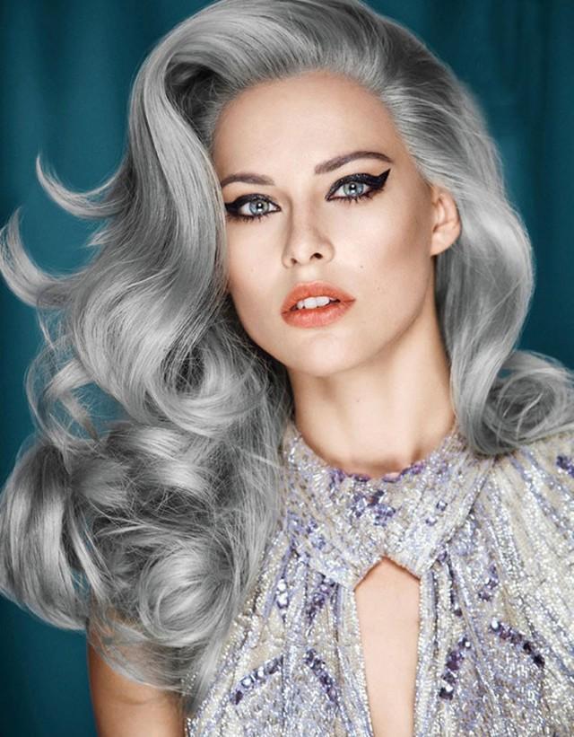 15. Серебряные пряди Модный тренд этого года — «седые» волосы — остается на пике популярности и этой