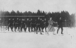 Солдаты и унтер-офицеры полка на учении в 1-ой Петербургской императора Александра III бригаде отдельного корпуса пограничной стражи.