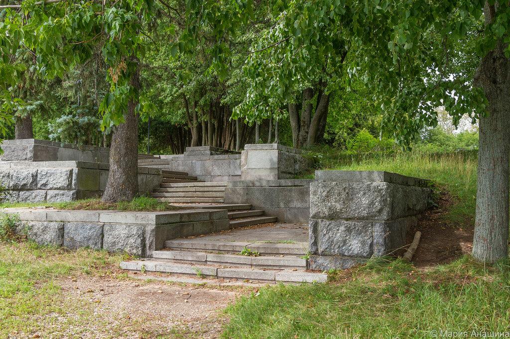 Ступени около памятника Ленину, Дубна
