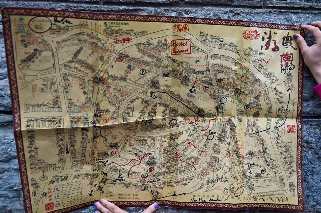 20. Карта с достопримечательностями старинного города Фэнхуан (Fenghuang Ancient Town). Возможно, пригодится при подготовке вашей поездки в Китай.