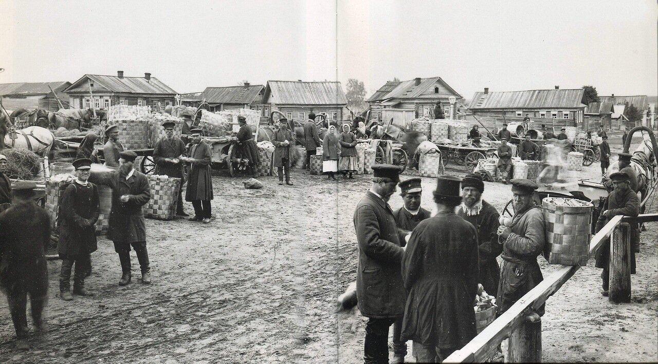 Ложкарный базар в Семенове. 1897