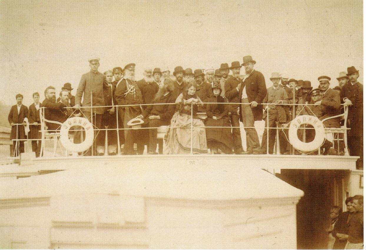 Группа нижегородцев на палубе парохода Эолина