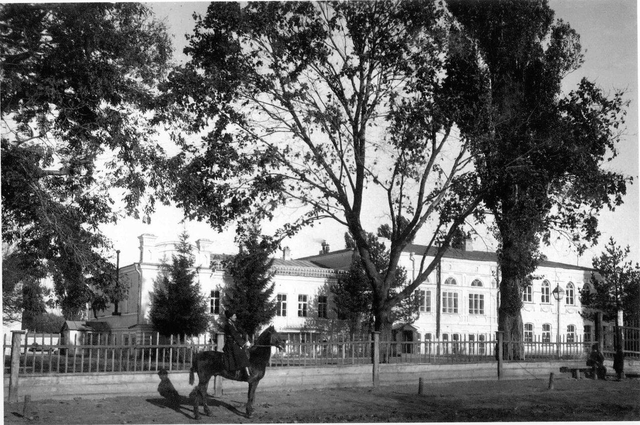 Женская гимназия им.княгини Ярославны