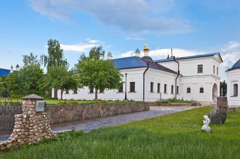 Высоцкий Серпуховской монастырь - Двор монастыря