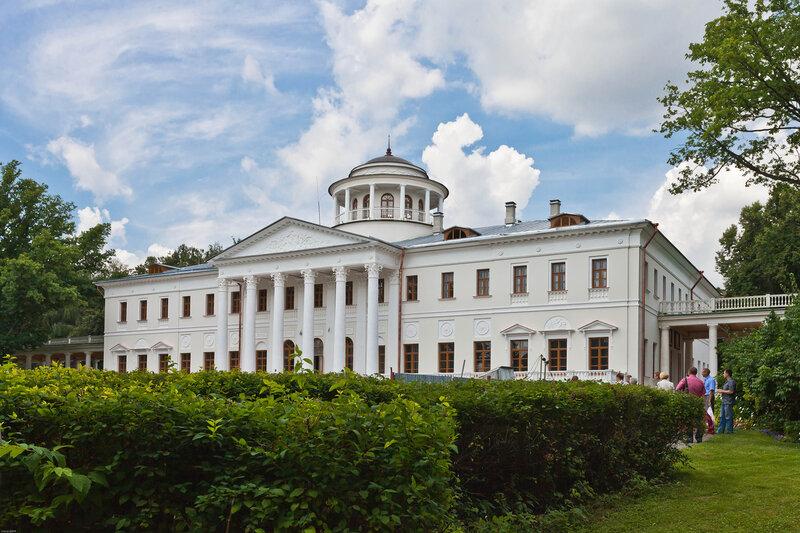 Дворец Вяземских в Остафьево
