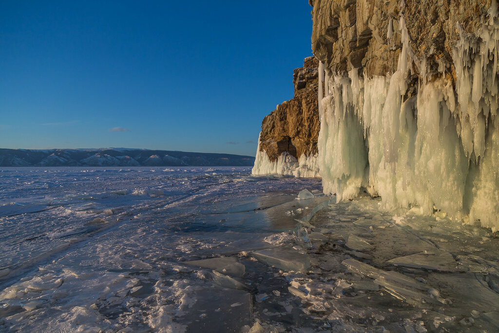 Байкал. Остров Харанцы на закате
