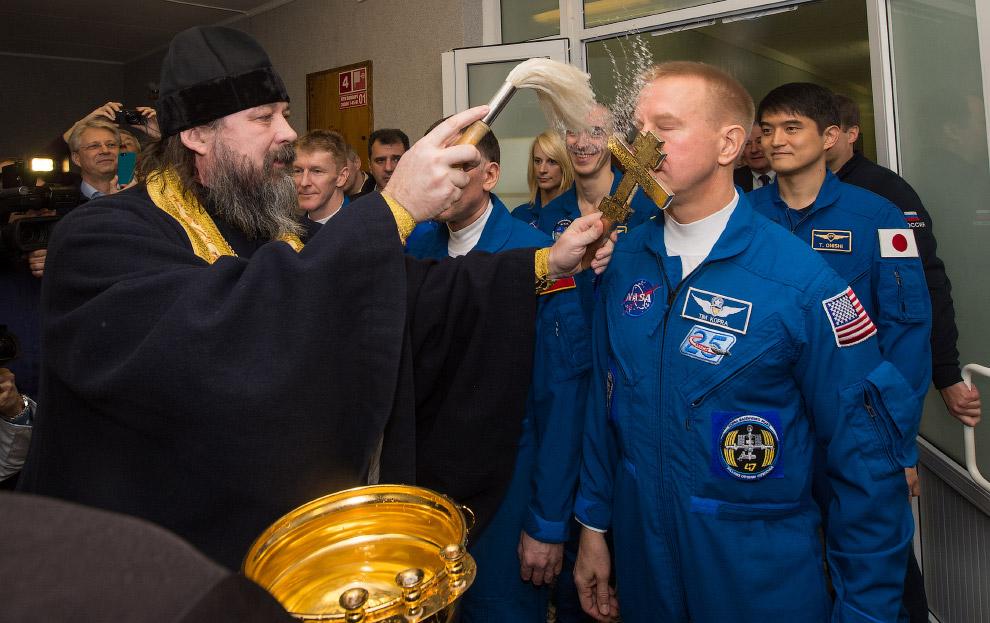 16. Поехали! Старт космического корабля «Союз ТМА-19М», космодром Байконур, 15 декабря 2015. (Ф