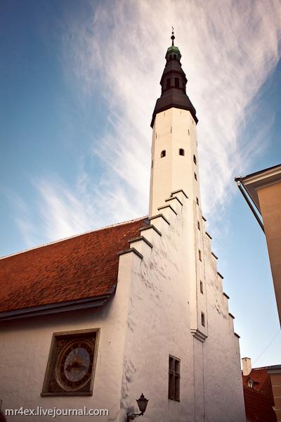 Эстония, Таллин, Ратушная площадь, Церковь Святого Духа