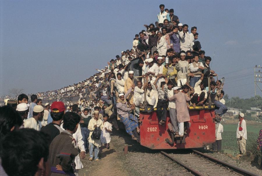Поезд сошел с рельсов в Индии: около 100 погибших, более 200 ранены - Цензор.НЕТ 3155