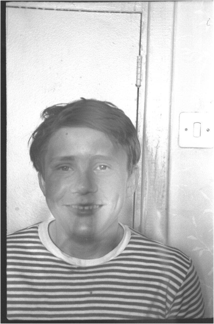 1969-70 класс 8 В.   Игорь Елизоров