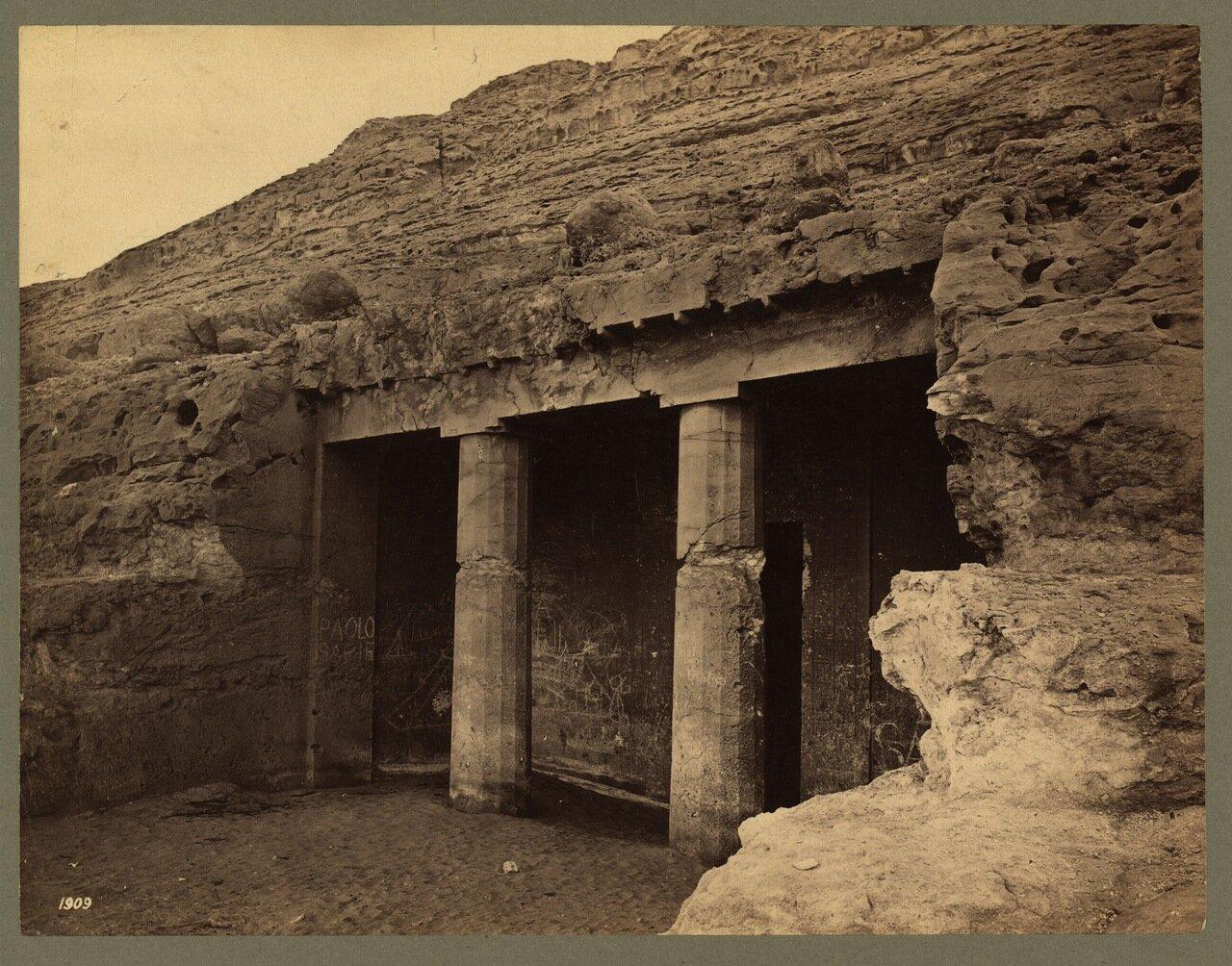 Скальные гробницы в Бени-Хасане