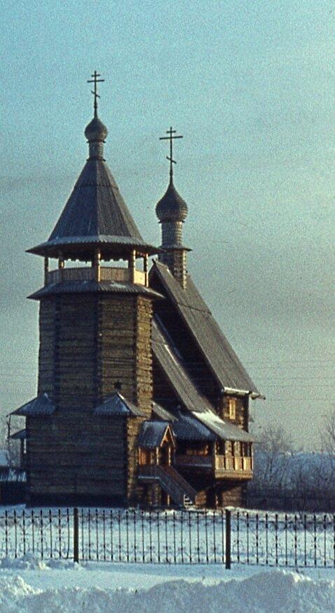 7. Георгиевская церковь Михайло-Архангельского монастыря