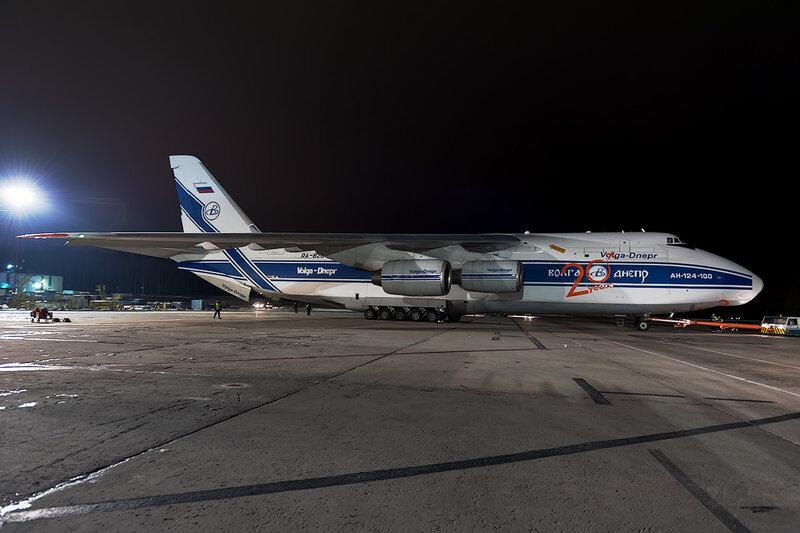 Антонов Ан-124-100 (RA-82047) Волга-Днепр D707910a