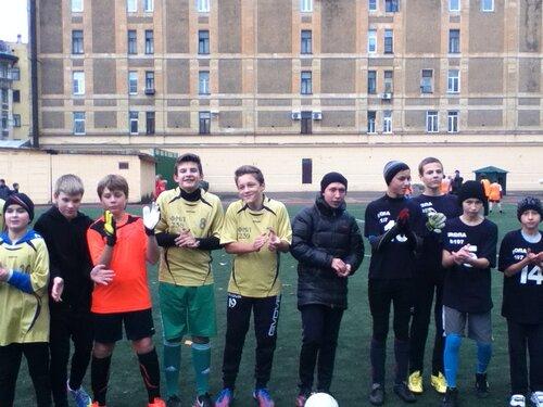 Районные соревнования по мини-футболу 2014. Команда 2000-01г второе место