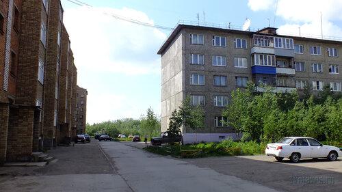 Фото города Инта №4809  Куратова 74 (двор) и 72 24.06.2013_12:32