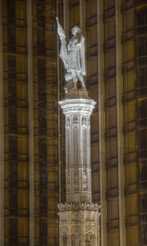 Ночной Мадрид. Площадь Колумба (Plaza de Colón). Памятник Христофору Колумбу