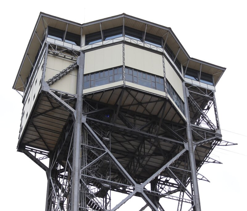 Барселона.  Башня Сан-Себастьян (Torre Sant Sebastià)