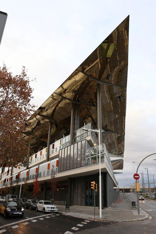Барселона. Рынок Фира-де-Белькайре или 'Старые прелести' (Mercat Fira de Bellcaire, Encants Vells)