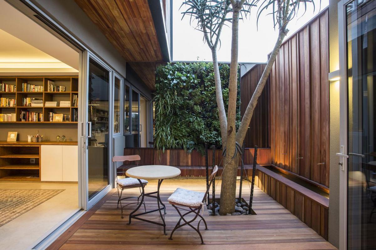 Metropole Architects, Albizia House, дом в ЮАР, особняки в Южной Африке, архитектура ЮАР, двухэтажный особняк, частный дом с бассейном, роскошный дом