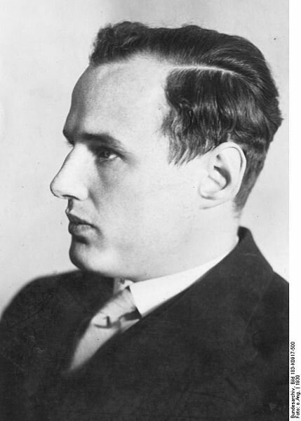 Манфред фон Арденне
