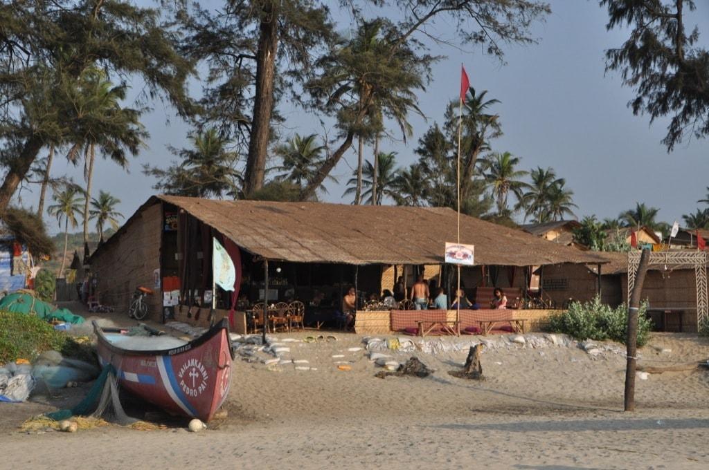 Шек SunJay на пляже Арамболь