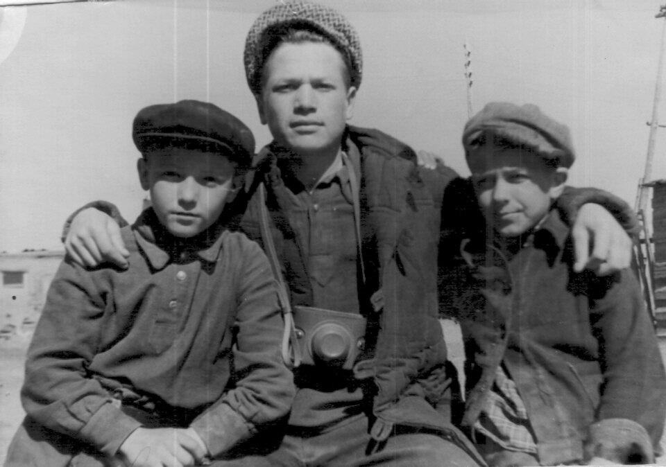 1960 год. Друзья детства Дахнов, Ванин, Мезененко