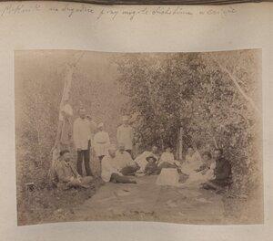 Пикник на Ингоде при(?) могиле Сухотина